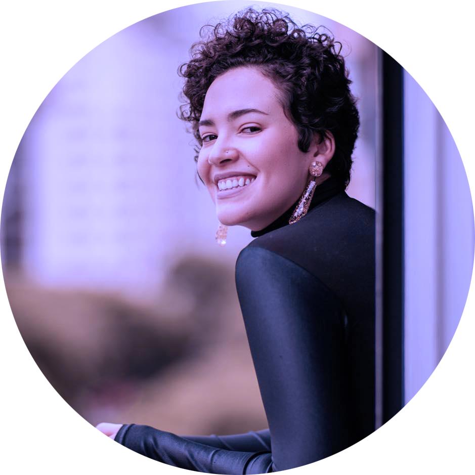 mayara castro - comunicadora, consultora de conteúdo estratégico, empreendedora e criadora da wmn. ela pode ser a sua também.