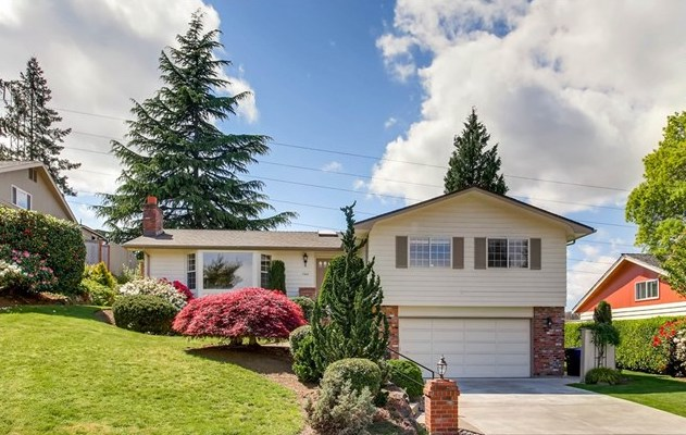 Listing SOLD | $1,250,000 | Bellevue, WA