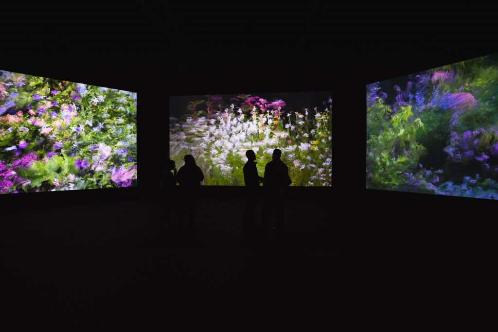 Davide Quayola, 'Jardins d'Été No. 2' (installation view), 2016, 4K video, 45 min loop, Edition of 6 + 1 AP. Image courtesy of bitforms gallery, New York.