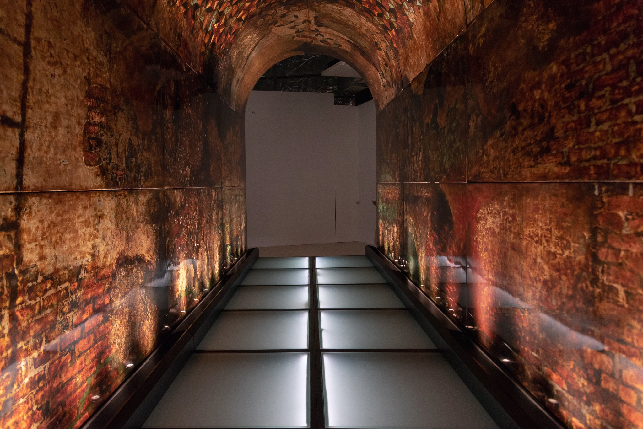 Oanh Phi Phi, 'Specula', 2007- 2009, Pictorial installation of sơn ta resin with pigment, gold, silver and aluminium leaf on fiberglass, reinforced epoxy composite board, with steel structure and glass flooring. Multiple components: installed dimensions 720 x 270 x 390cm (variable). Image courtesy of The Factory.