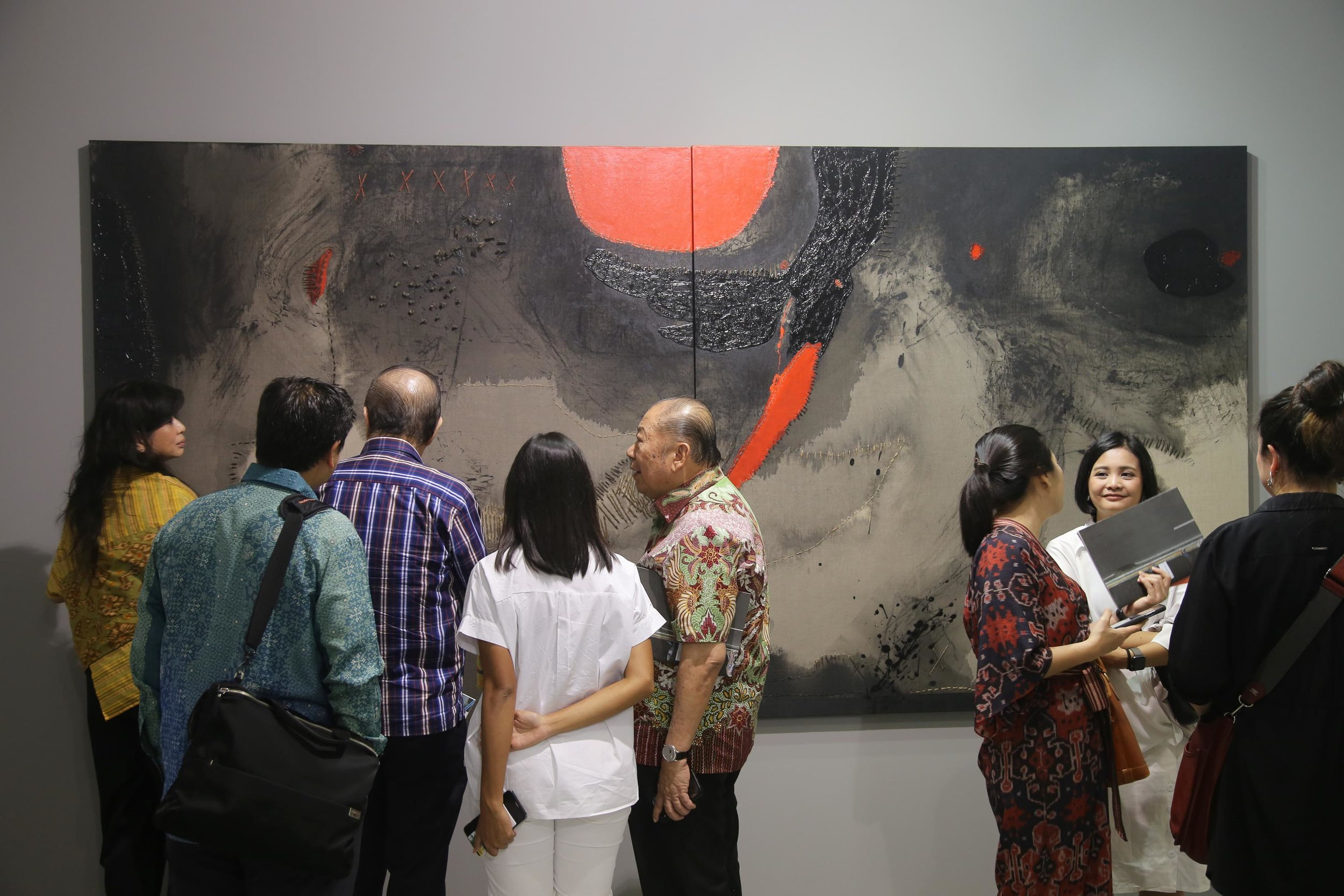 Bale Project booth, featuring Sunaryo's 'Bloodmoon 2'. Image courtesy of Bale Project.