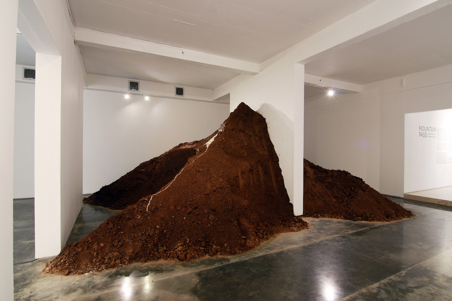 Zen Teh, 'Mountain Pass: Negotiating Ambivalence', 2019, exhibition installation view at Selasar Sunaryo Art Space in Bandung. Photograph by Adi Rahmatullah. Image courtesy of Selasar Sunaryo Art Space and Mizuma Gallery.