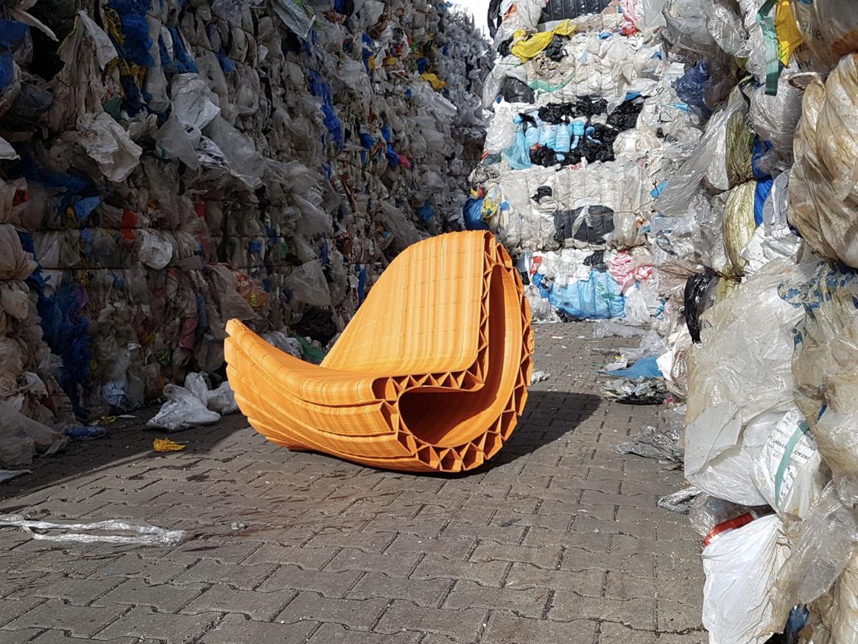 3D printana klupa iz plastičnog otpada - printyour.city