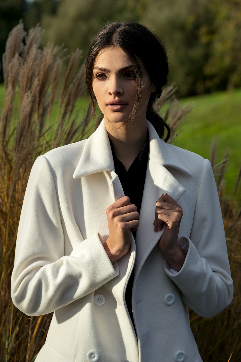 Coats - We provide a range of luxury jackets for summer and winter wear and offer a unique bespoke tailoring service.Cashmere, Silk and Cotton blends
