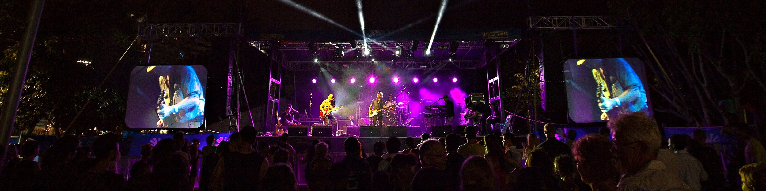 New Years Eve main stage Cairns Esplanade, QLD 2013/14 - with Eddie Skiba & the Durand Line