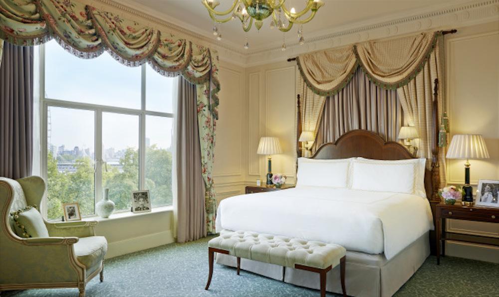 svy-420-one-bedroom-suite-edwardian1.jpg