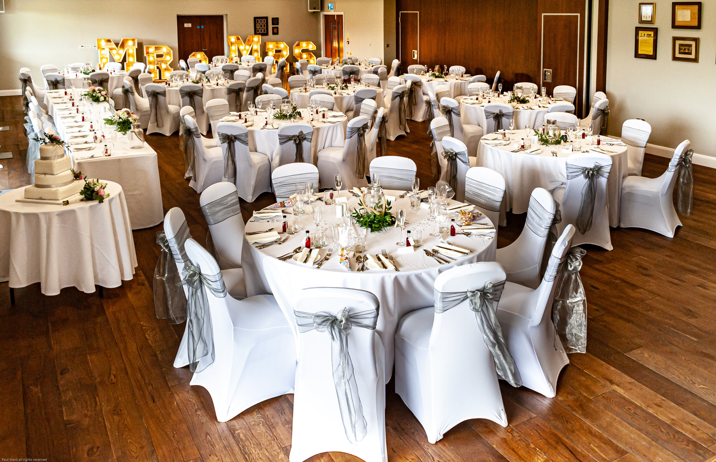 The Kentdale Suite - Our 200sqm Kentdale Suite can seat up to 200 for dining in a range of formations, with access to our luxurious bar, and fully equipped for live bands and discos.