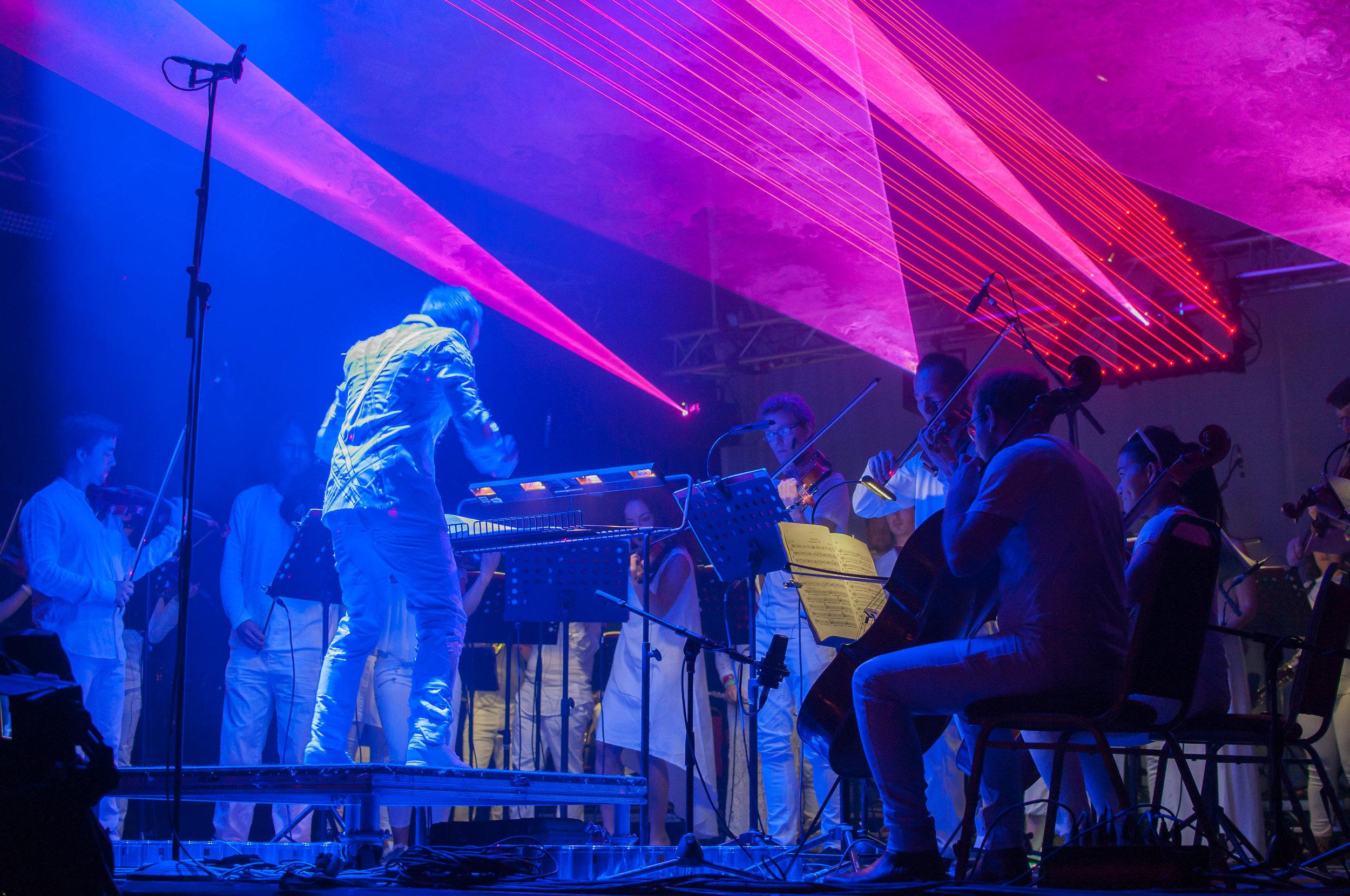 Charles Hazlewood Philip Glass Heroes Symphony Credit Lily Holman