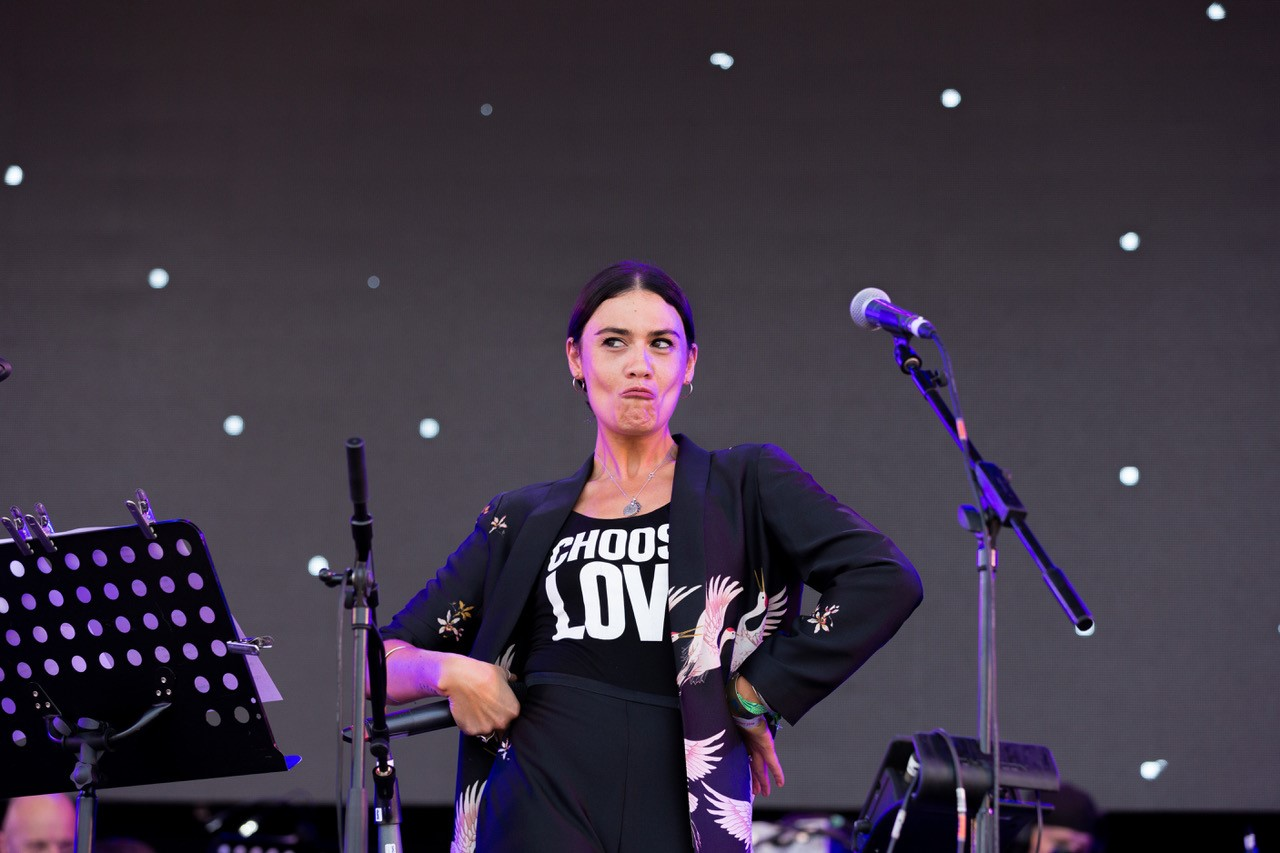 Nadine Shah, The Love Unlimited Synth Orchestra. Glastonbury 2019.jpg