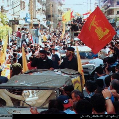 Hizbullah-medlemmer feirer Israels tilbaketrekning i 2006. Foto: khamenei.ir [CC BY 4.0 (https://creativecommons.org/licenses/by/4.0)]