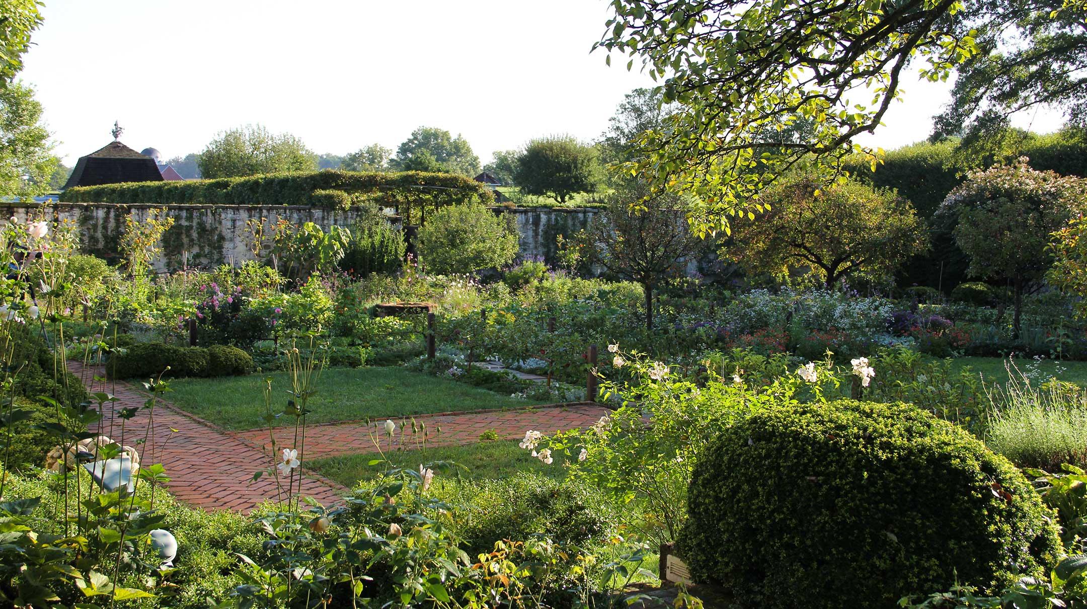 Morning in the garden at the Oak Spring Garden estate in Virginia.  © Oak Spring Garden Foundation