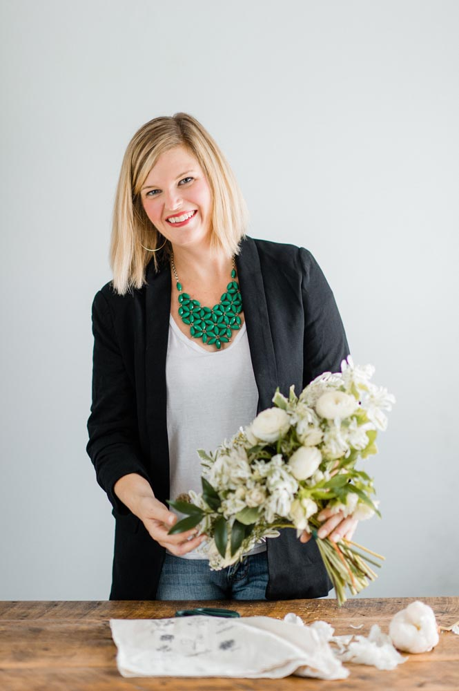 AmandaDay Rosemeet the owner - Hi, I'm Amanda, and it's so nice to meet you! If you see me on the street, I will always, without a doubt, stop for puppies, blooms, and wine!