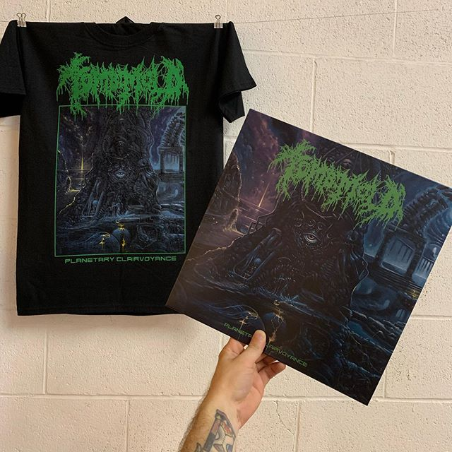 TOMB MOLD 'Planetary Clairvoyance' tees and longsleeves making their way up to @20buckspinlabel this morning. Particularly proud of this one. All water base / discharge. Artwork by @pit_of_bones