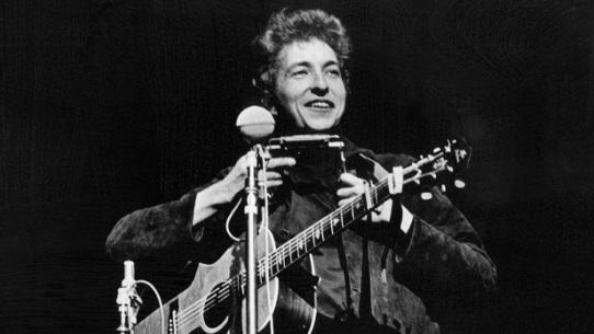 Bob-Dylan-1964-concert-AP-FEAT.jpg
