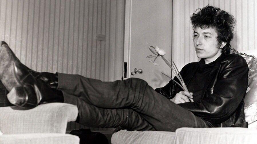 Bob-Dylan-California-1965.jpg
