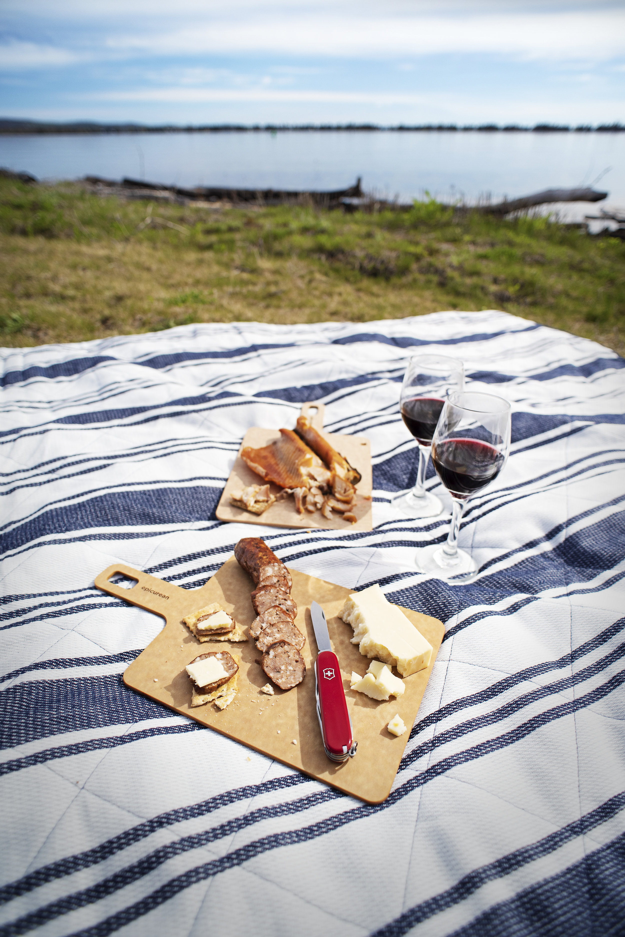 "Picnic Combo SetOnly $27.99 - 9"" x 7.5"" Handy Board in NaturalCamper Swiss Army KnifeAvailable while supplies last, at the Epicurean Outlet!"