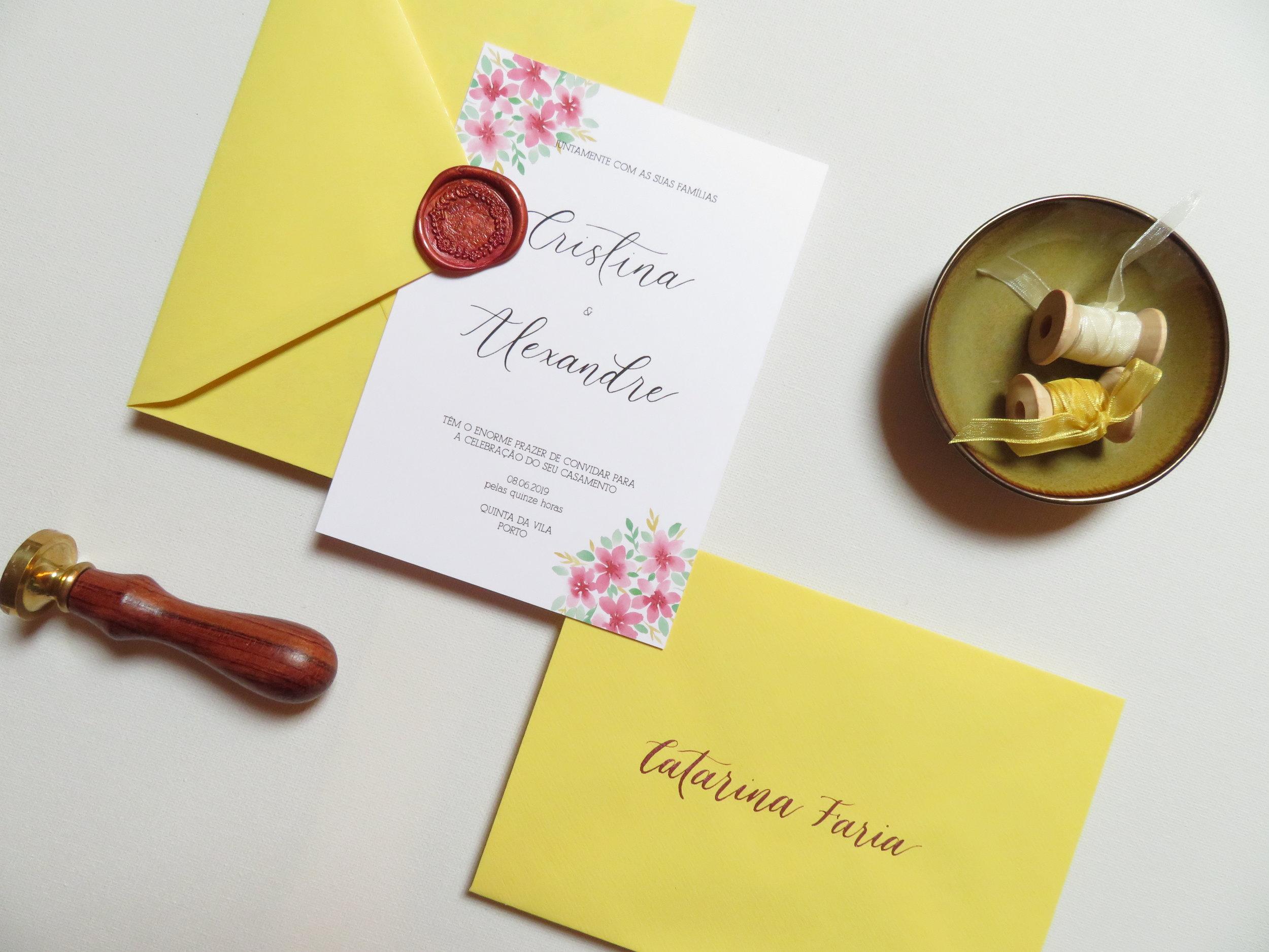Convites de casamento - Convites de casamentos feitos ao teu gosto elevarão teu casamento ou evento a algo verdadeiramente especial.Caligrafia elegante, design moderno e uma boa impressão são a combinação perfeita para que o teu convite se destaque e fique para sempre na memória dos teus convidados.