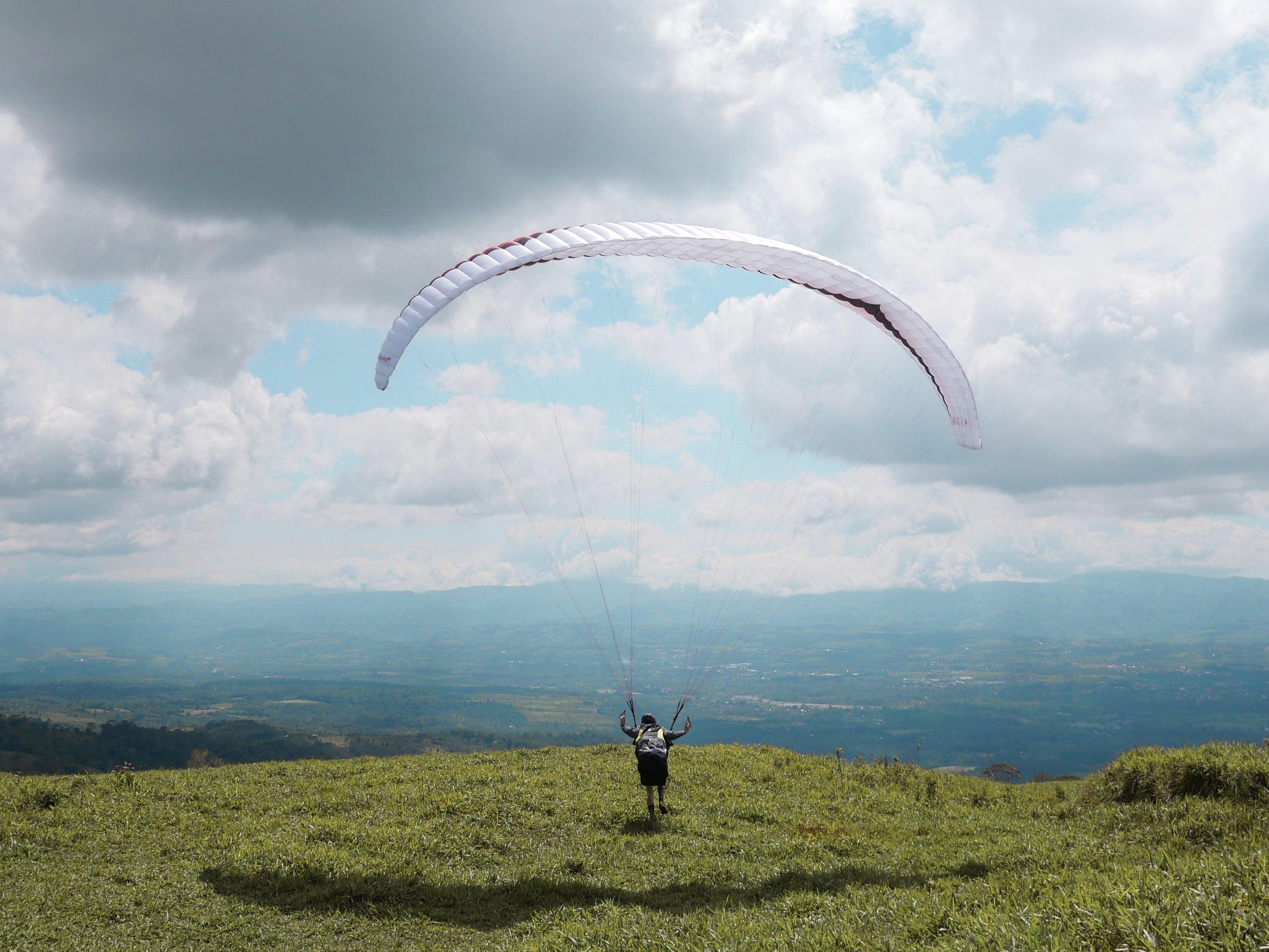 best-paragliding-costa-rica.jpg