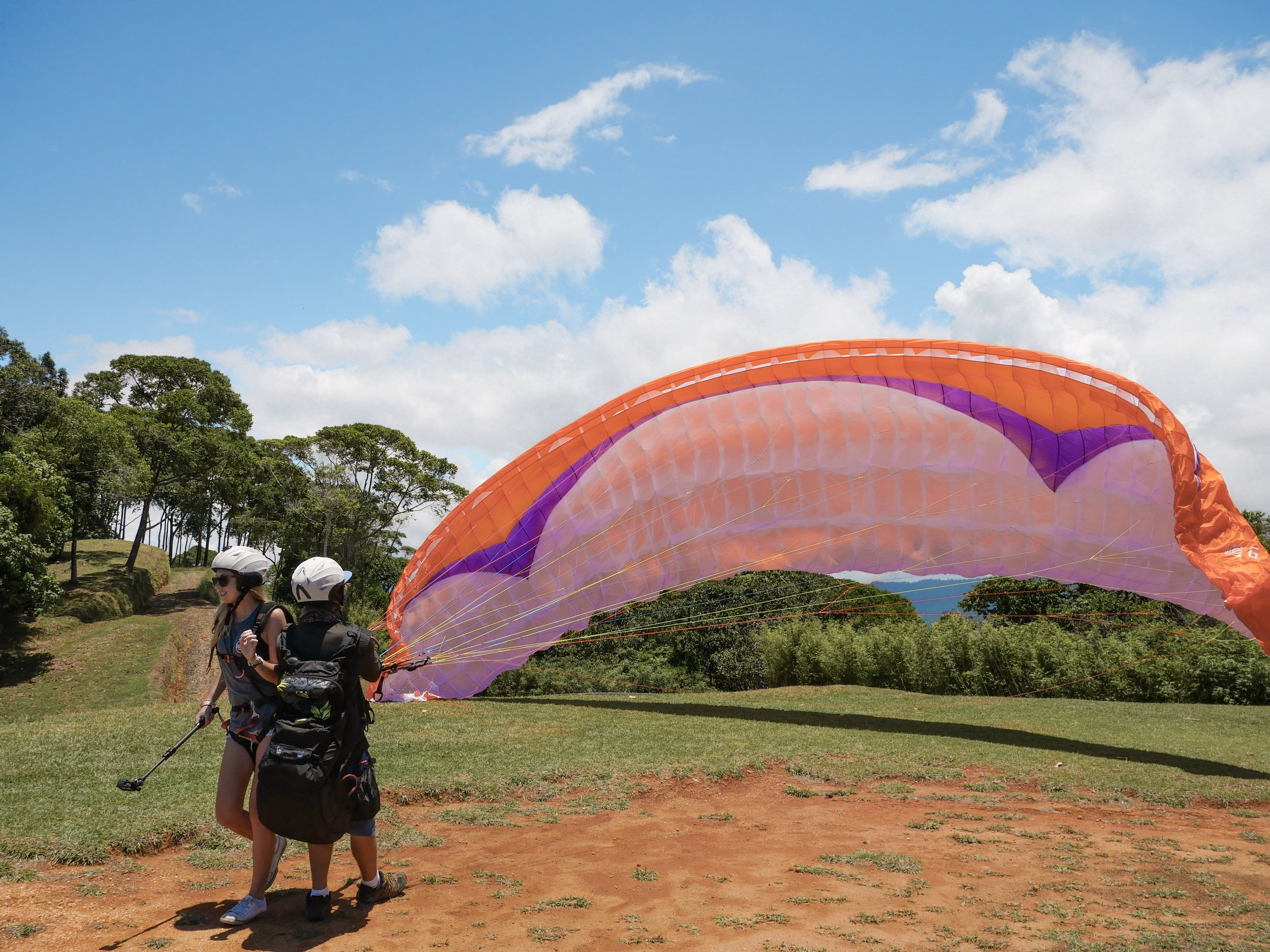 the-best-tours-tandem-paragliding-dominical.jpg