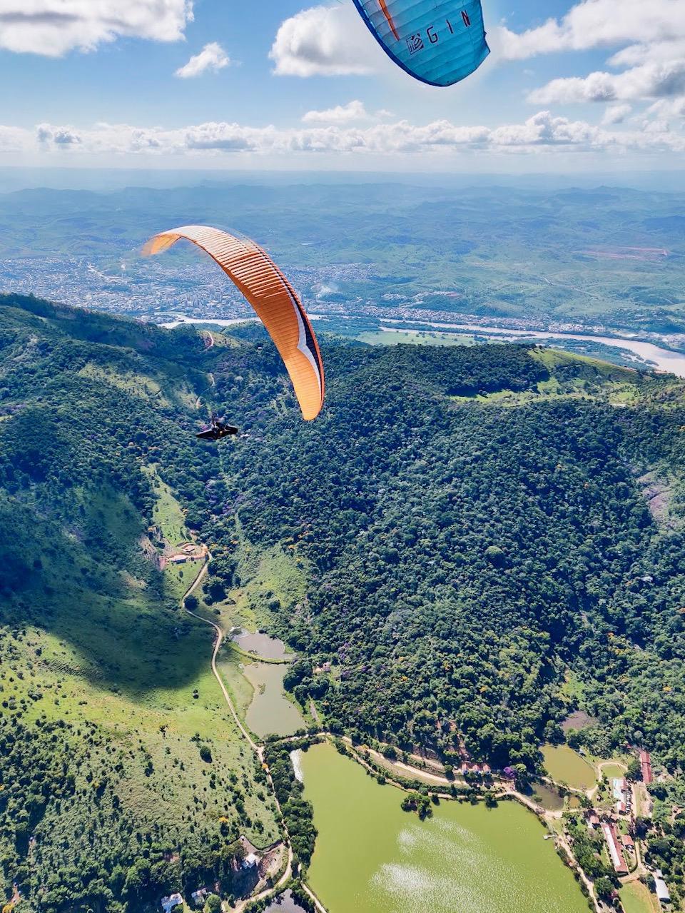 Paragliding in Governador Valadares, Brazil