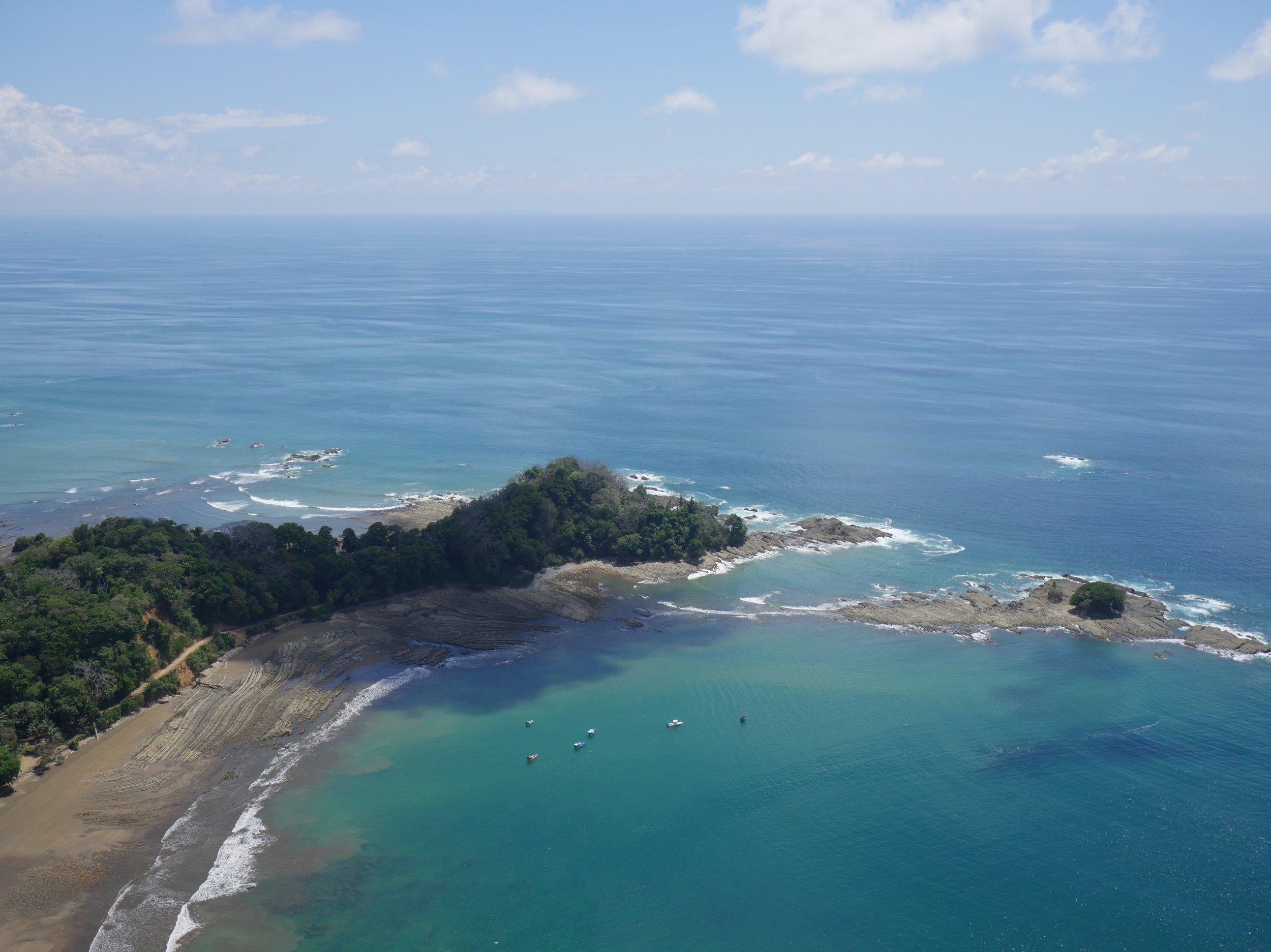 dominical-costa-rica-paragliding.jpg