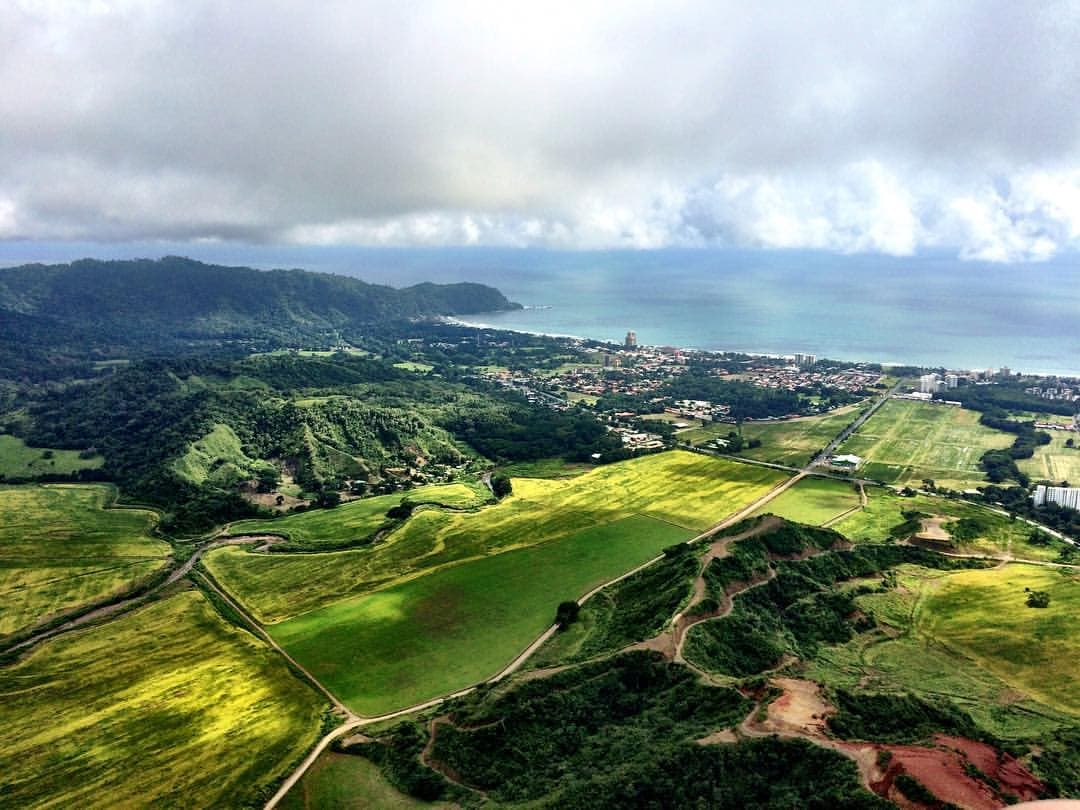 Jaco, Costa Rica - This small ridge in Jaco is the perfect place for beginners to get off the ground and for all pilots to enjoy some relaxed flying with views of the ocean.