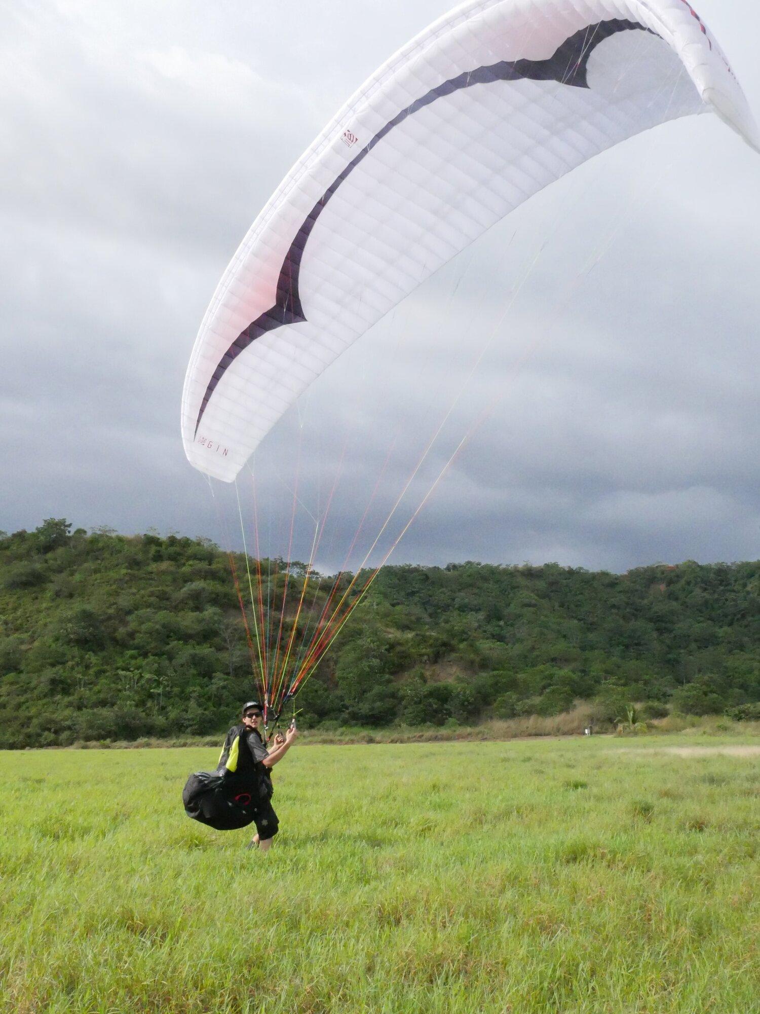 paragliding-in-jaco.JPG