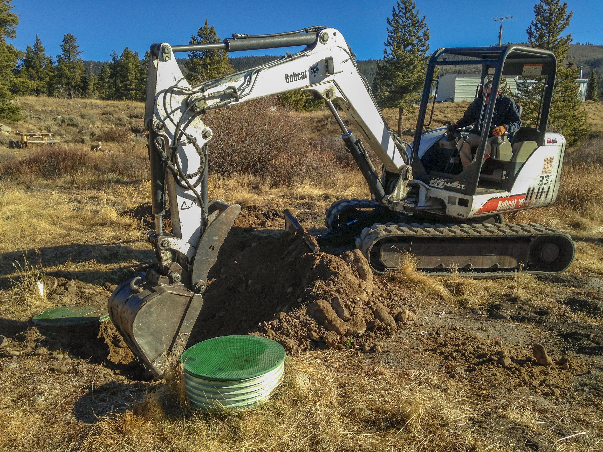 backhoe-digging-septic.jpg
