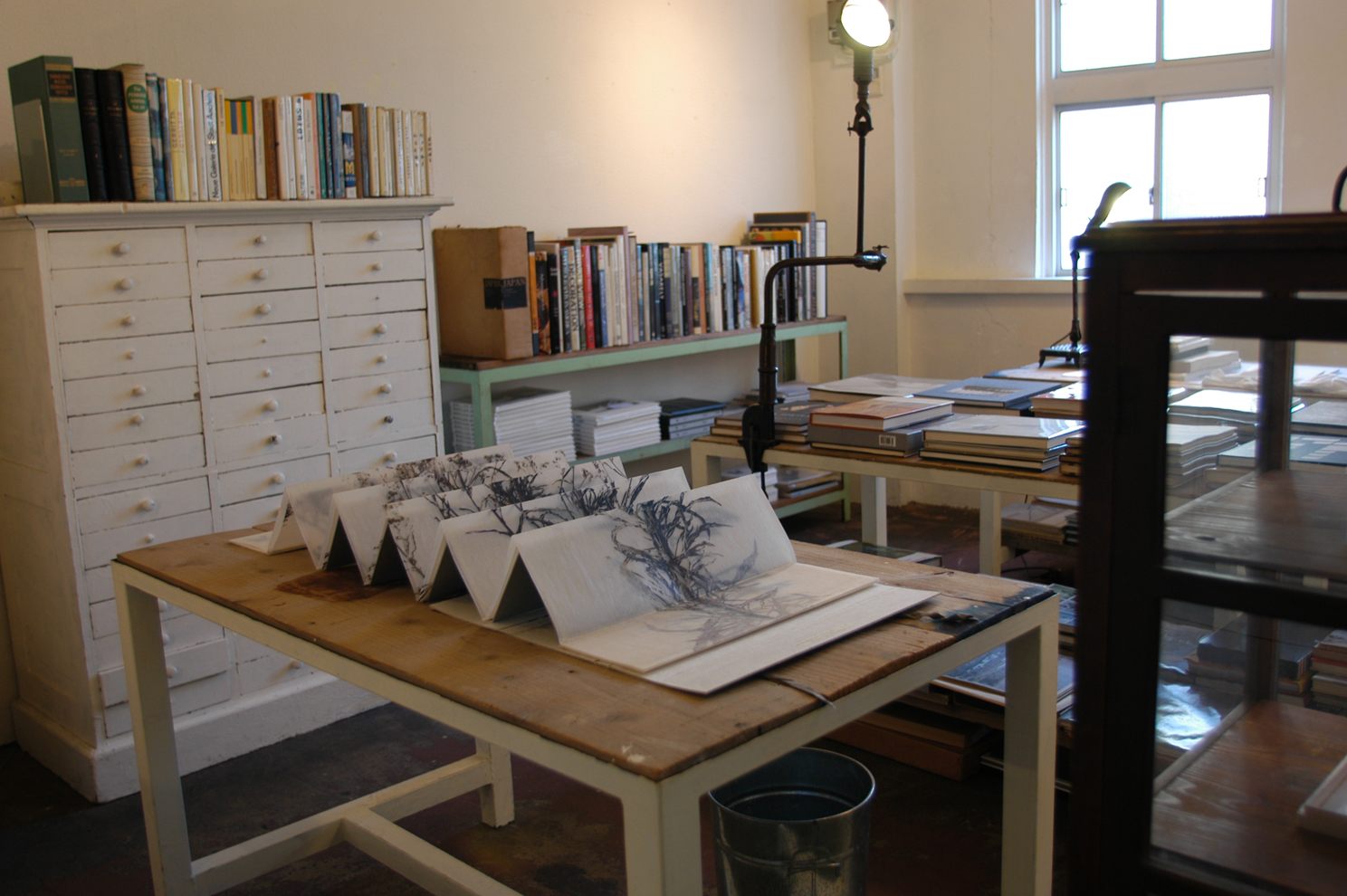 ADACHI Ryoko - book art, paper, accordion fold