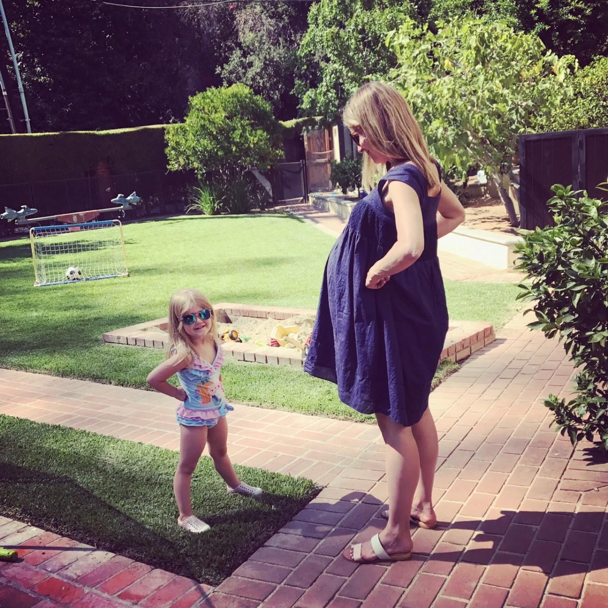 Atomic Moms podcast | Ellie Knaus | Selena Willows | swimming | Parenting |