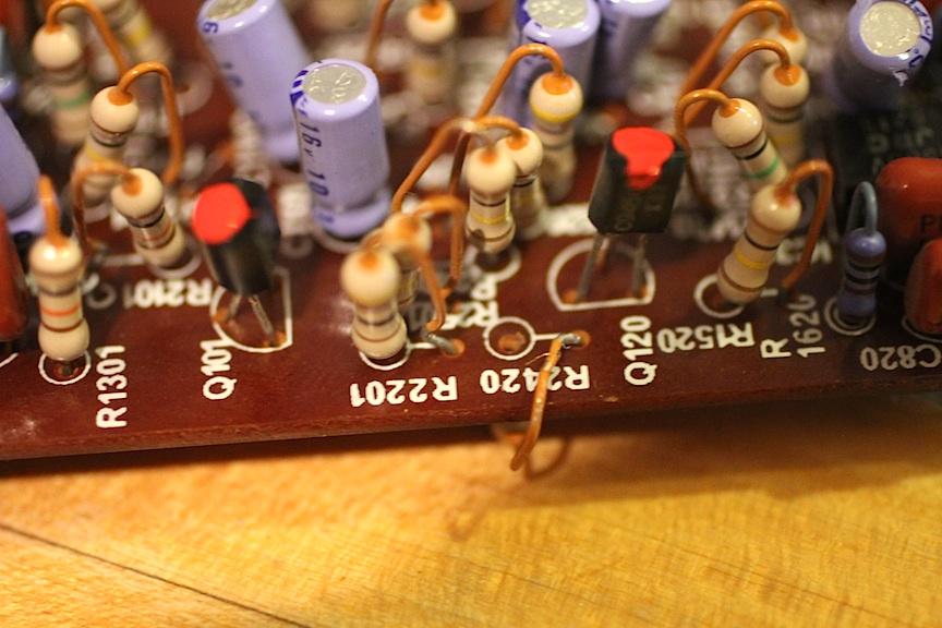 korg-21-recycled-resistor-wraps-the-edge-02.jpg