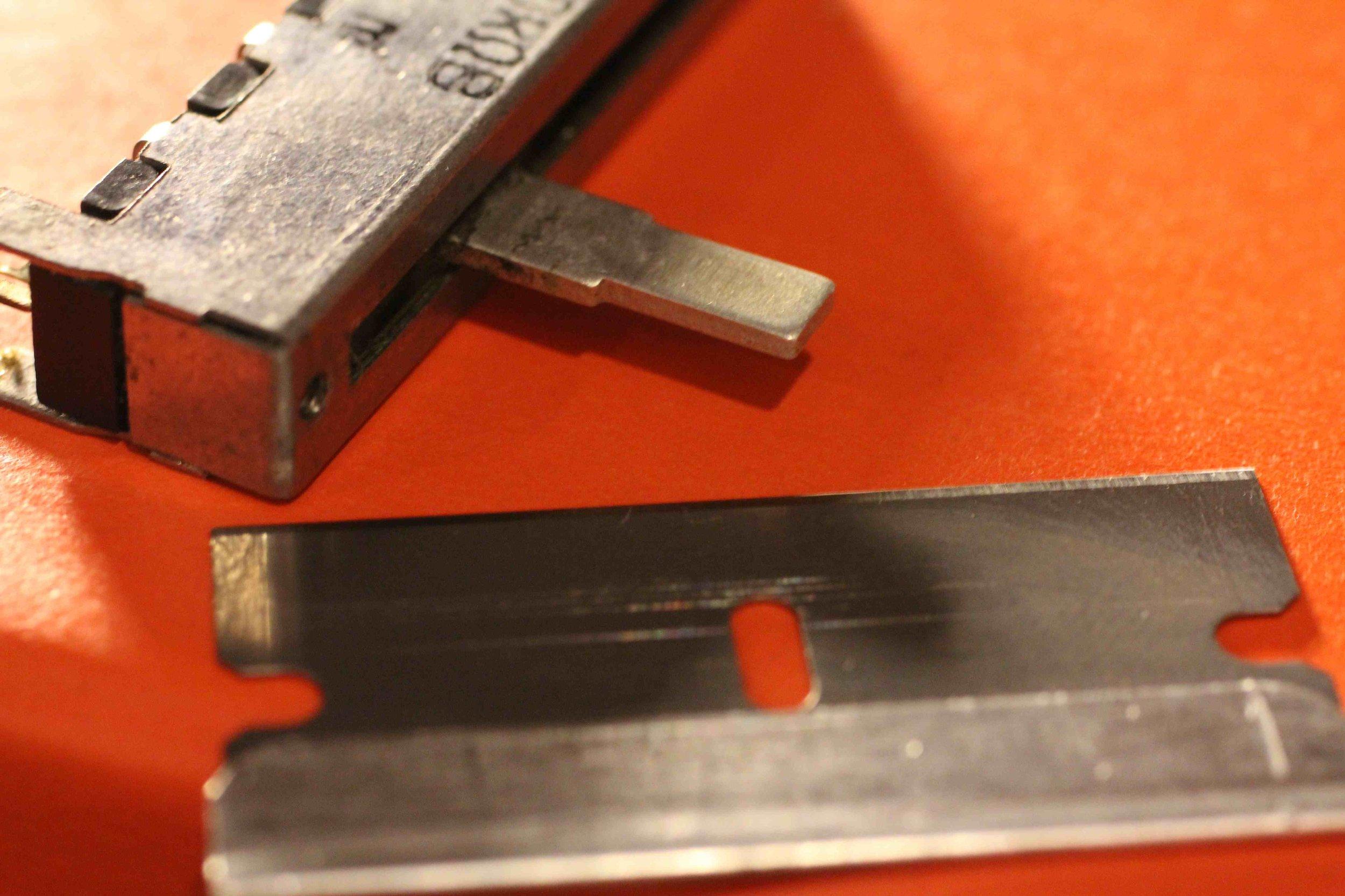 j-60-replacement-slider-razor.jpg