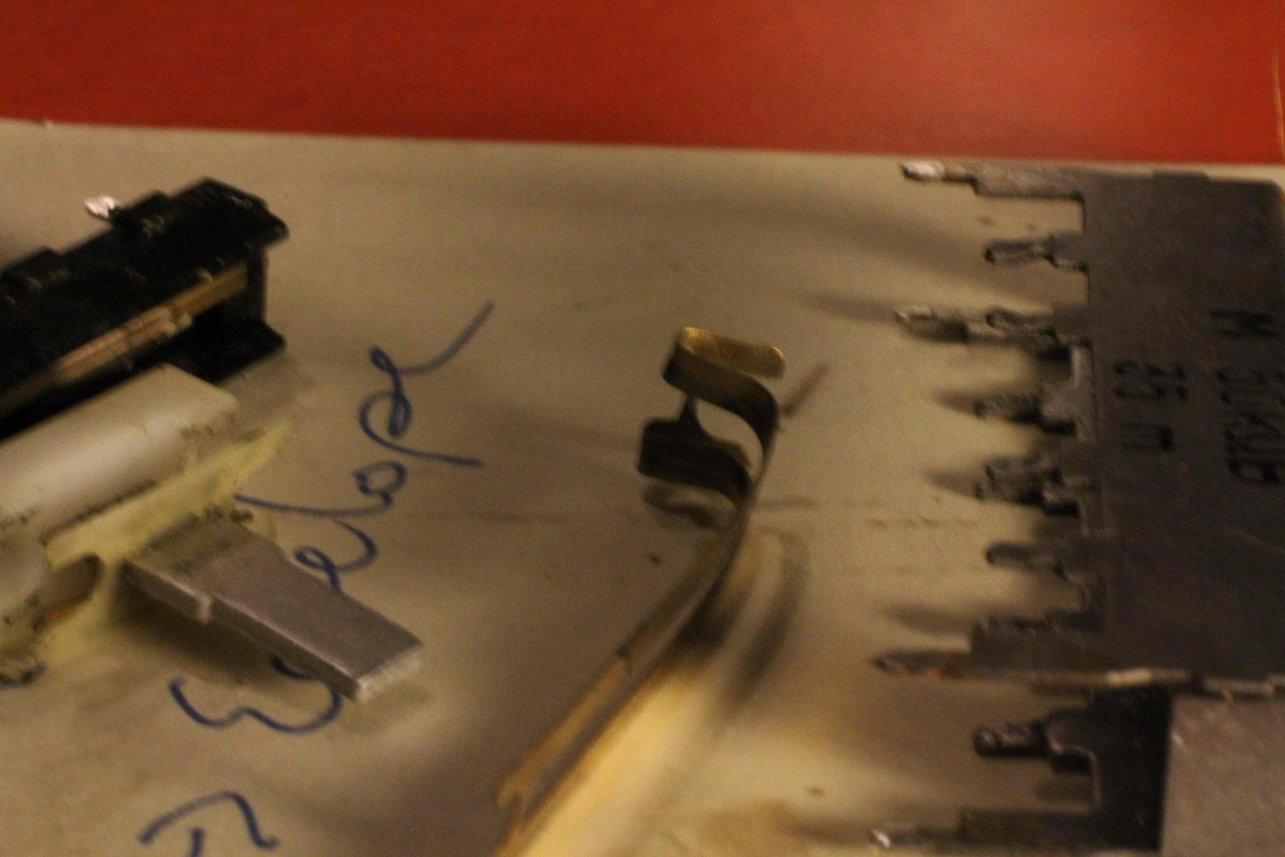 j-60-damaged-slider-exploded-view-1.jpg