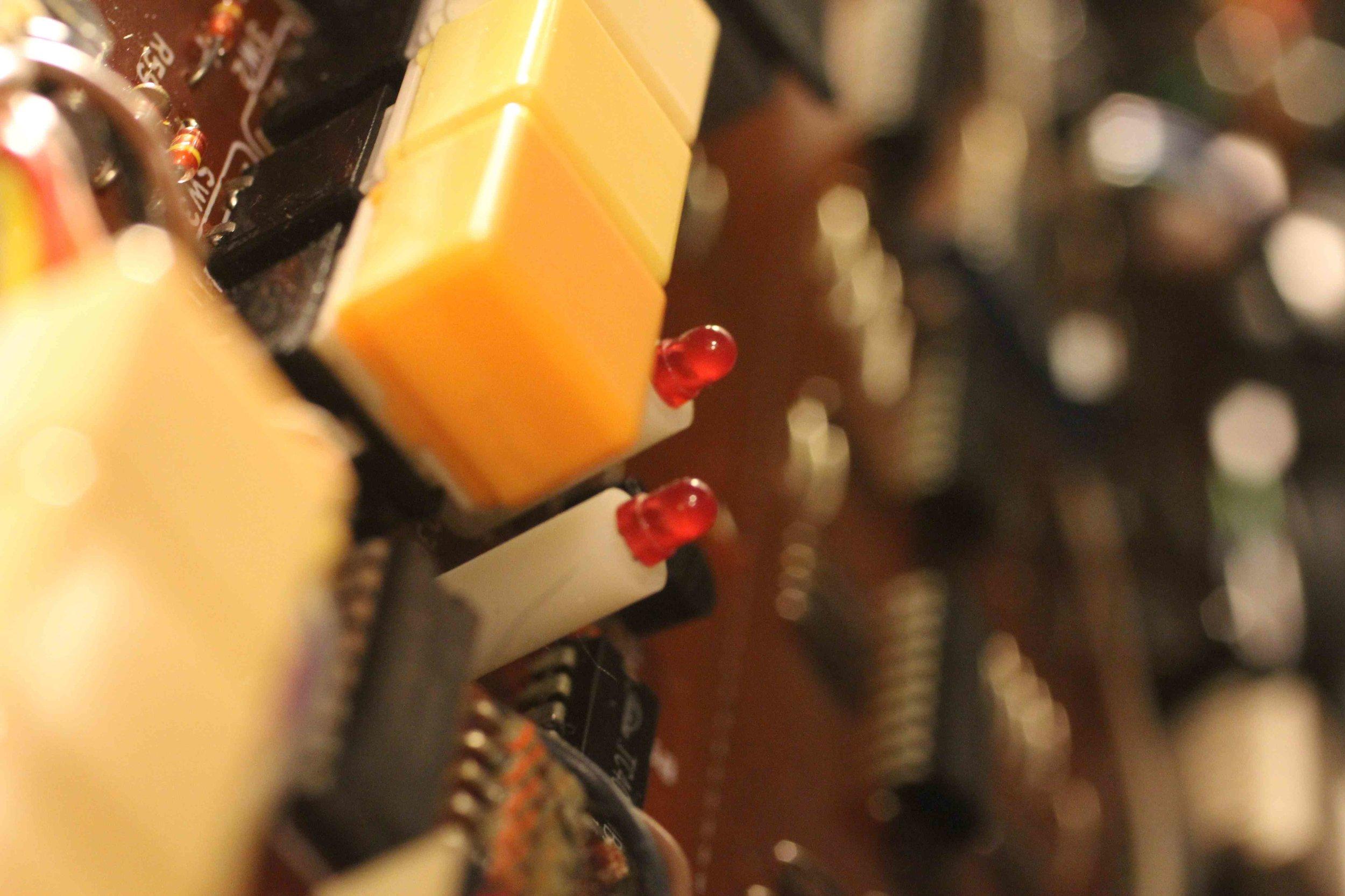 j-60-chorus-buttons.jpg
