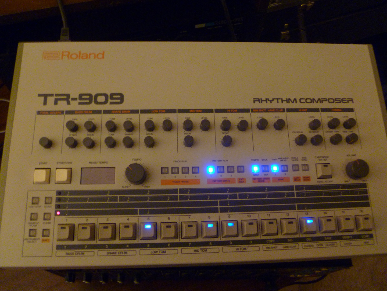 roland-tr-909-fixed-1.jpg