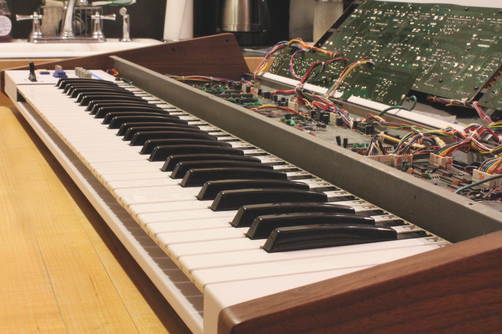 roland-jp-6-keys-open-lid.jpg
