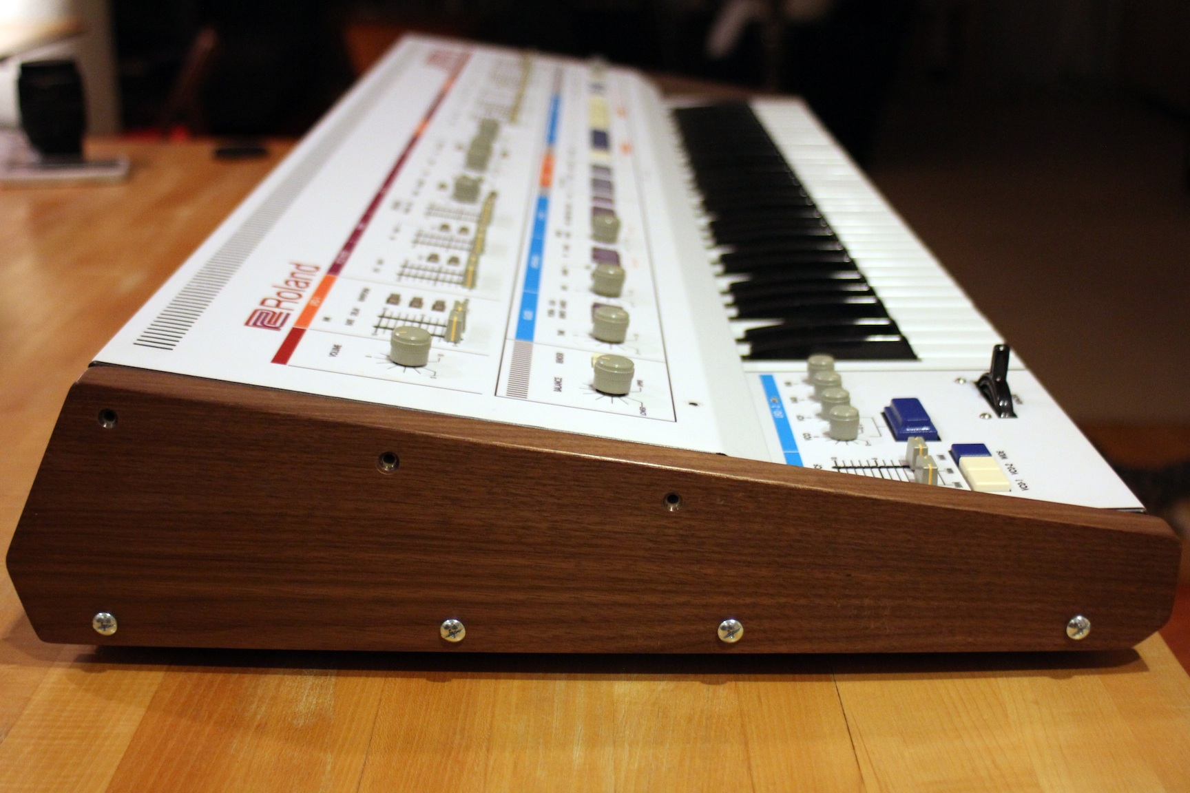 roland-jp-6-wood-side-1.jpg