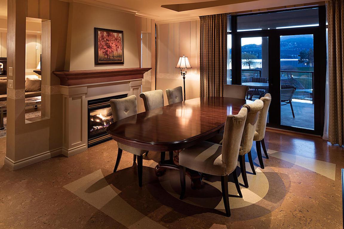 3 Bedroom Villa Dining room.jpg