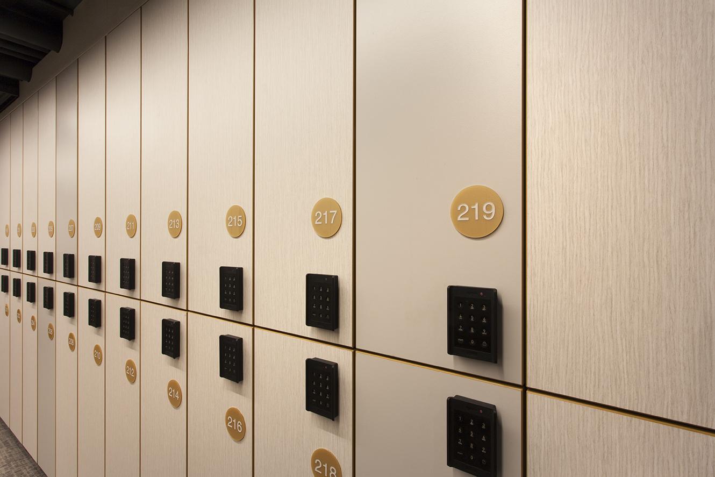 Custom locker numbering for CBW
