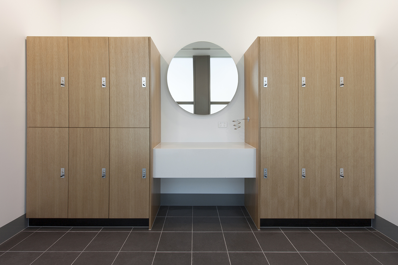 Dexus lockers with vanity shelf and mirror