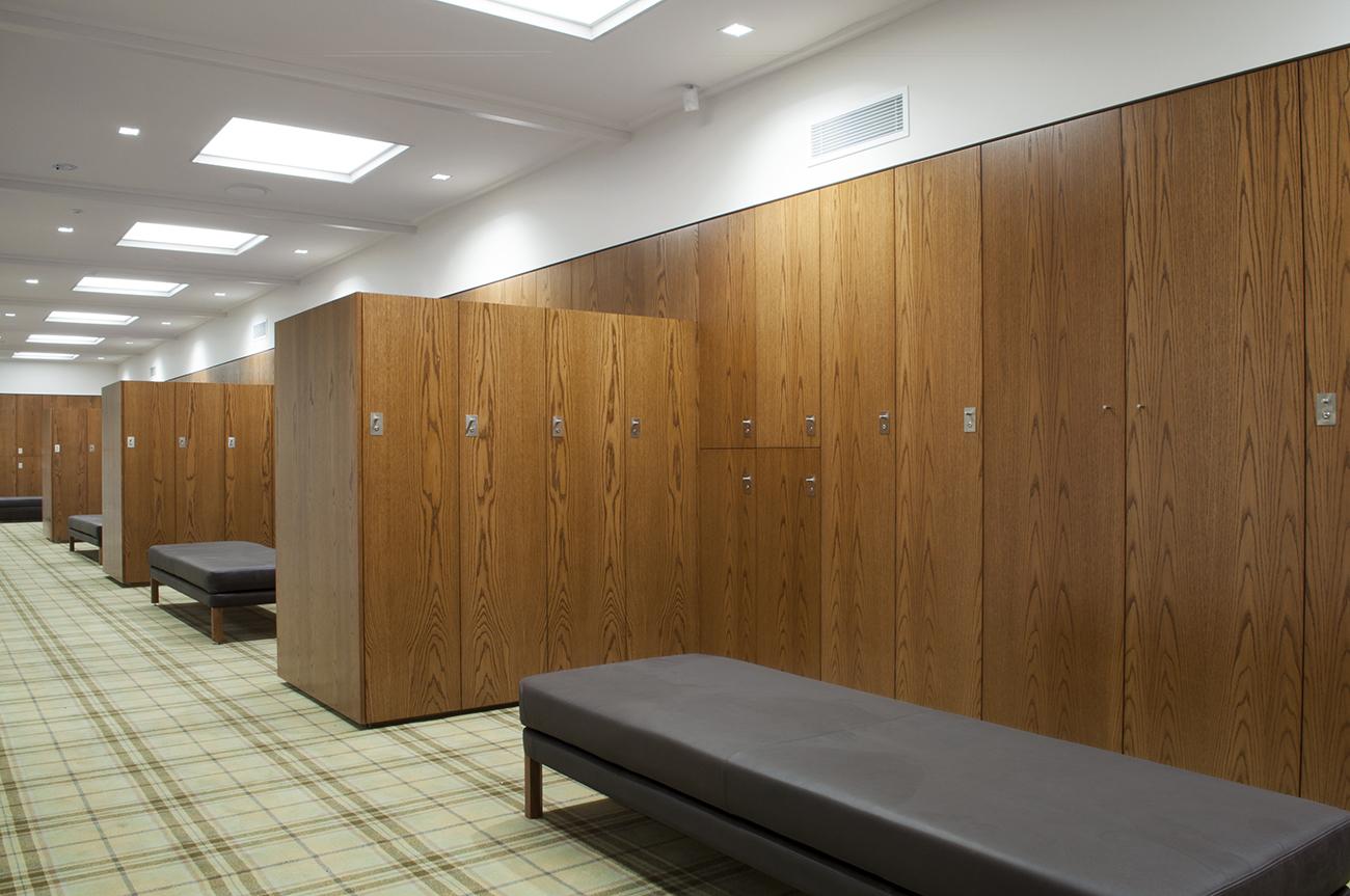 Timber veneer lockers for Royal Melbourne Golf Club by Lockin
