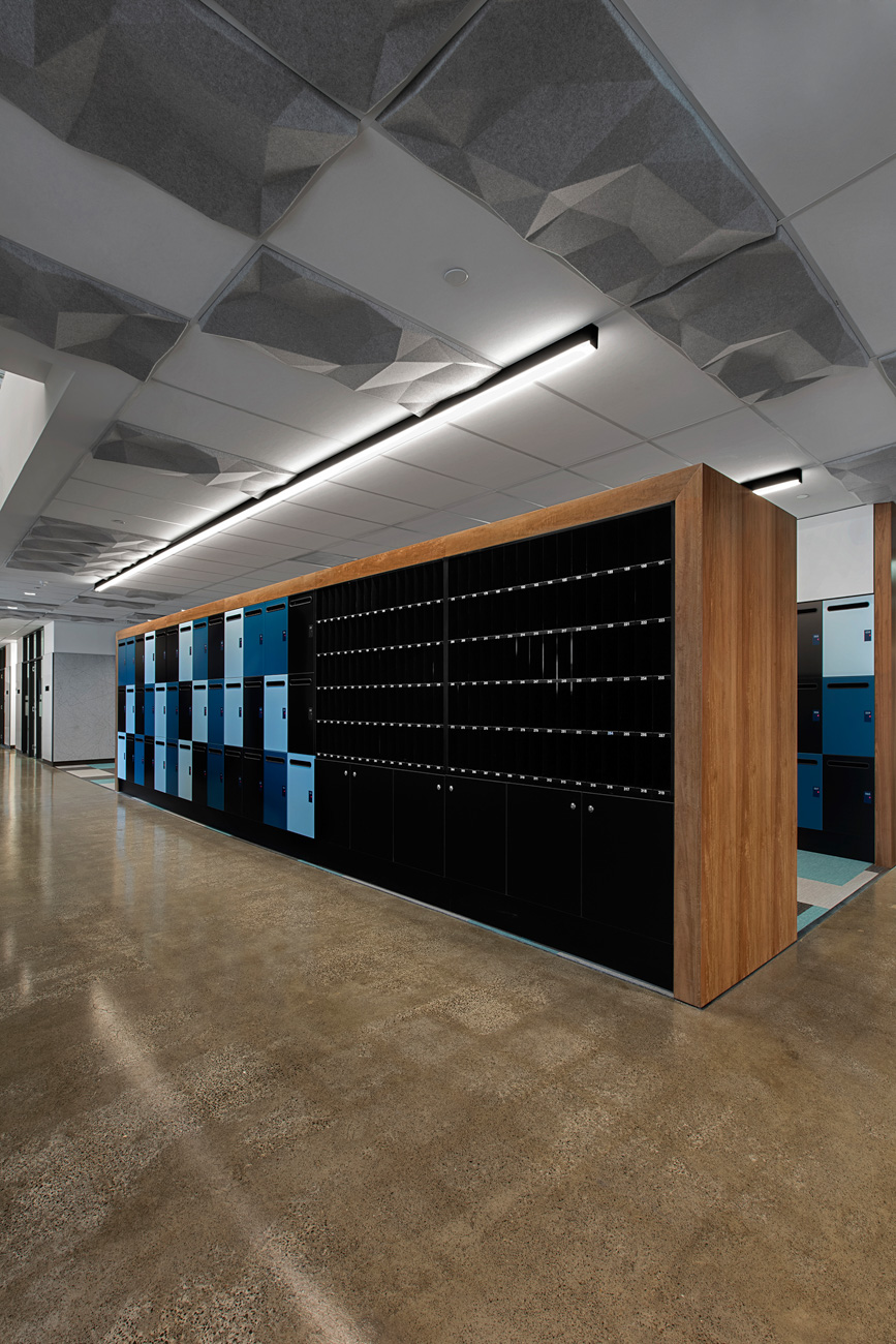 Pigeon holes integrated with lockers by Lockin