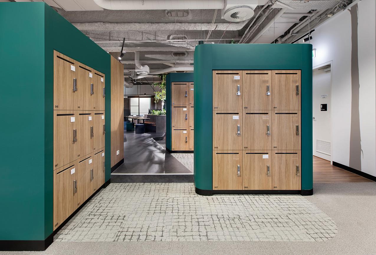 JLL H3 laminate lockers by Lockin