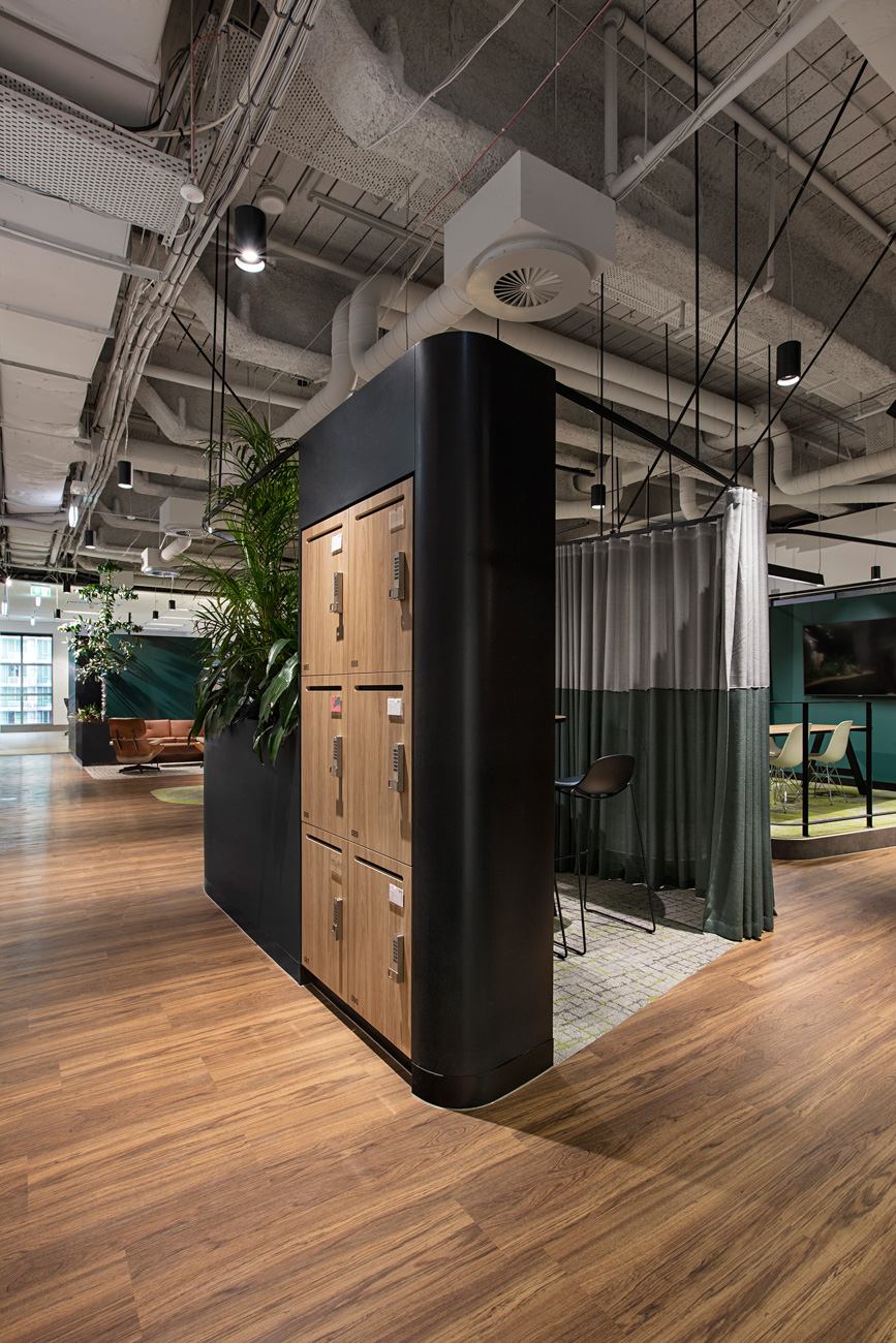 Lockers integrated into the office