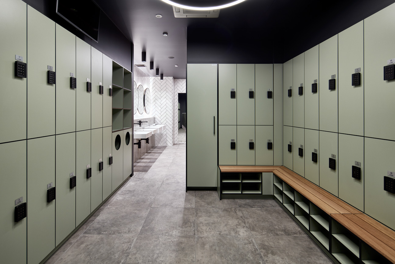 End-of-trip lockers at 420 St Kilda Road