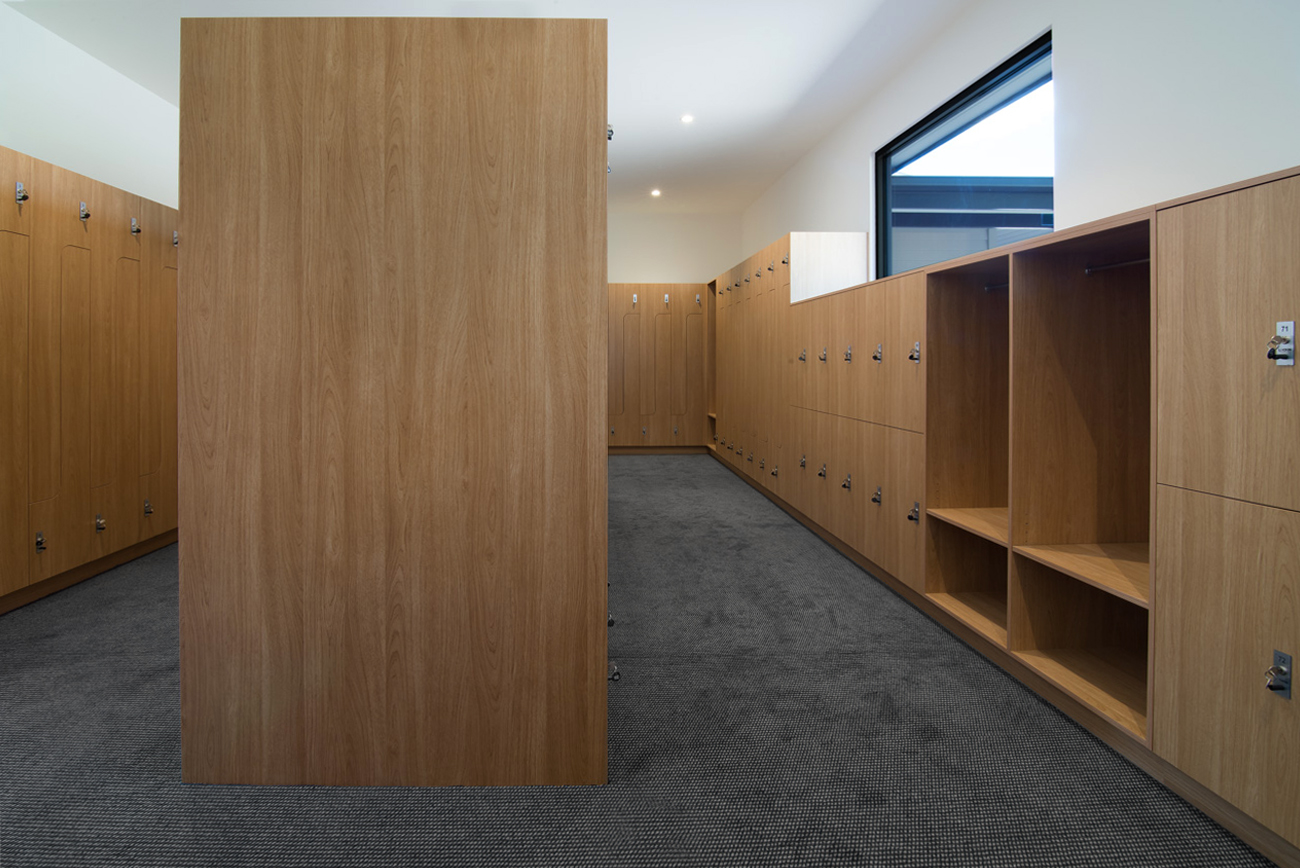 Laminate grain lockers at Northern Golf Club