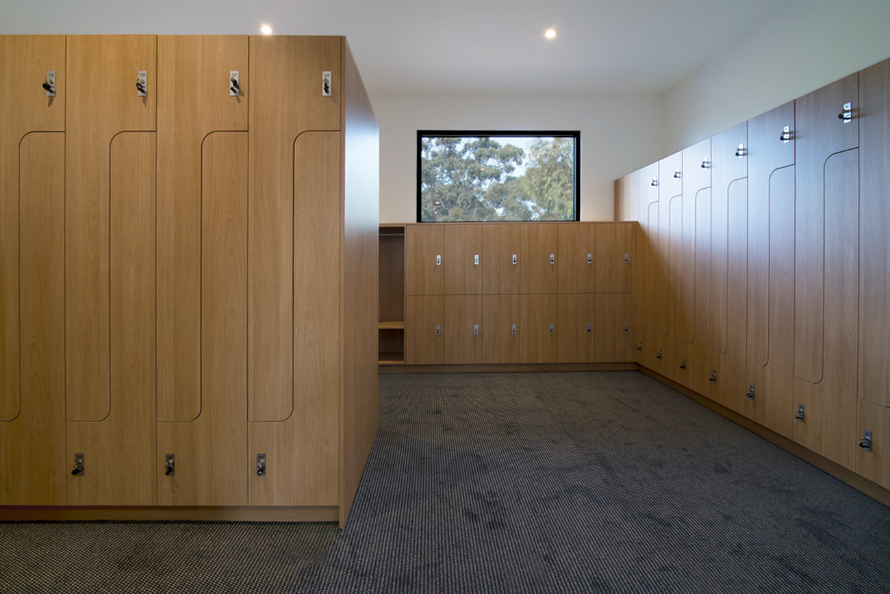 PL2 and H2 lockers by Lockin