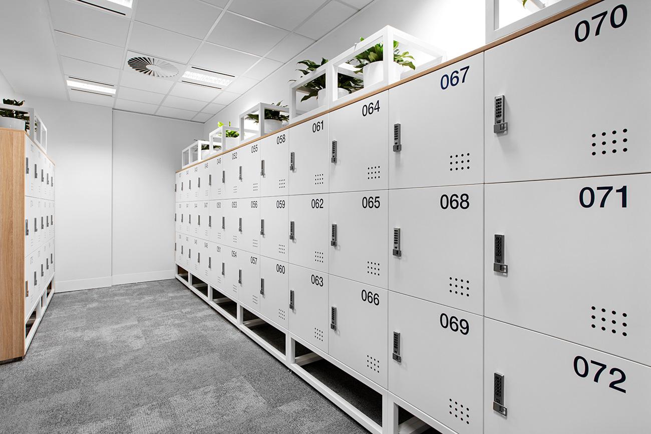 Laminate lockers with planter box by Lockin