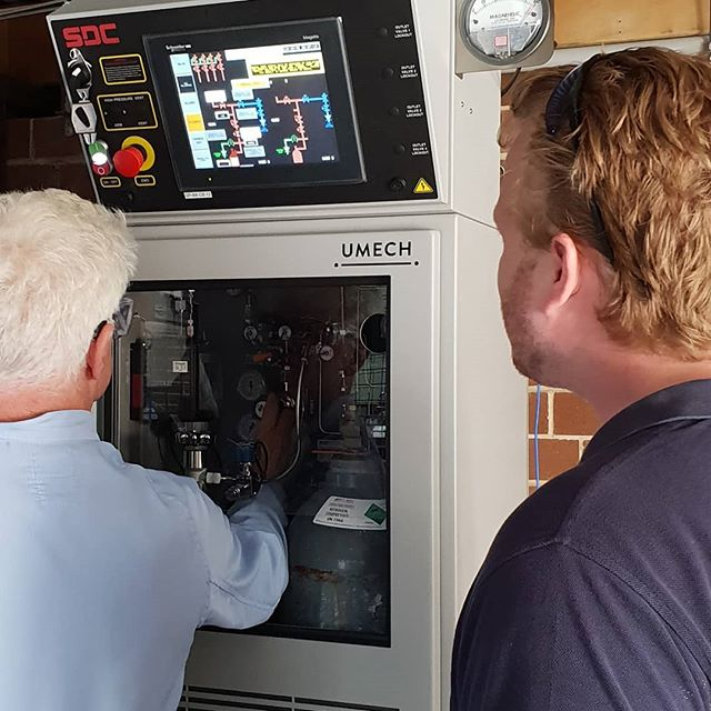 Brand new Silane gas cabinet installed and commissioned at #anu for the solar group. Testing completed 👌👌🚫🔥 . . . #orbitalwelding #pipefitting #stainlesssteel #tigwelding #electropolished #tube #customfabrication #umech #silane #commisioned #tested #photovoltaics #research