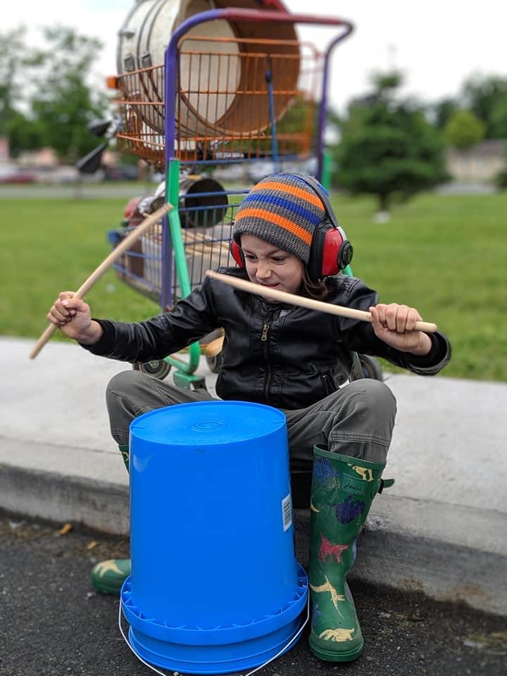 Bucket Jack, playing with gusto.